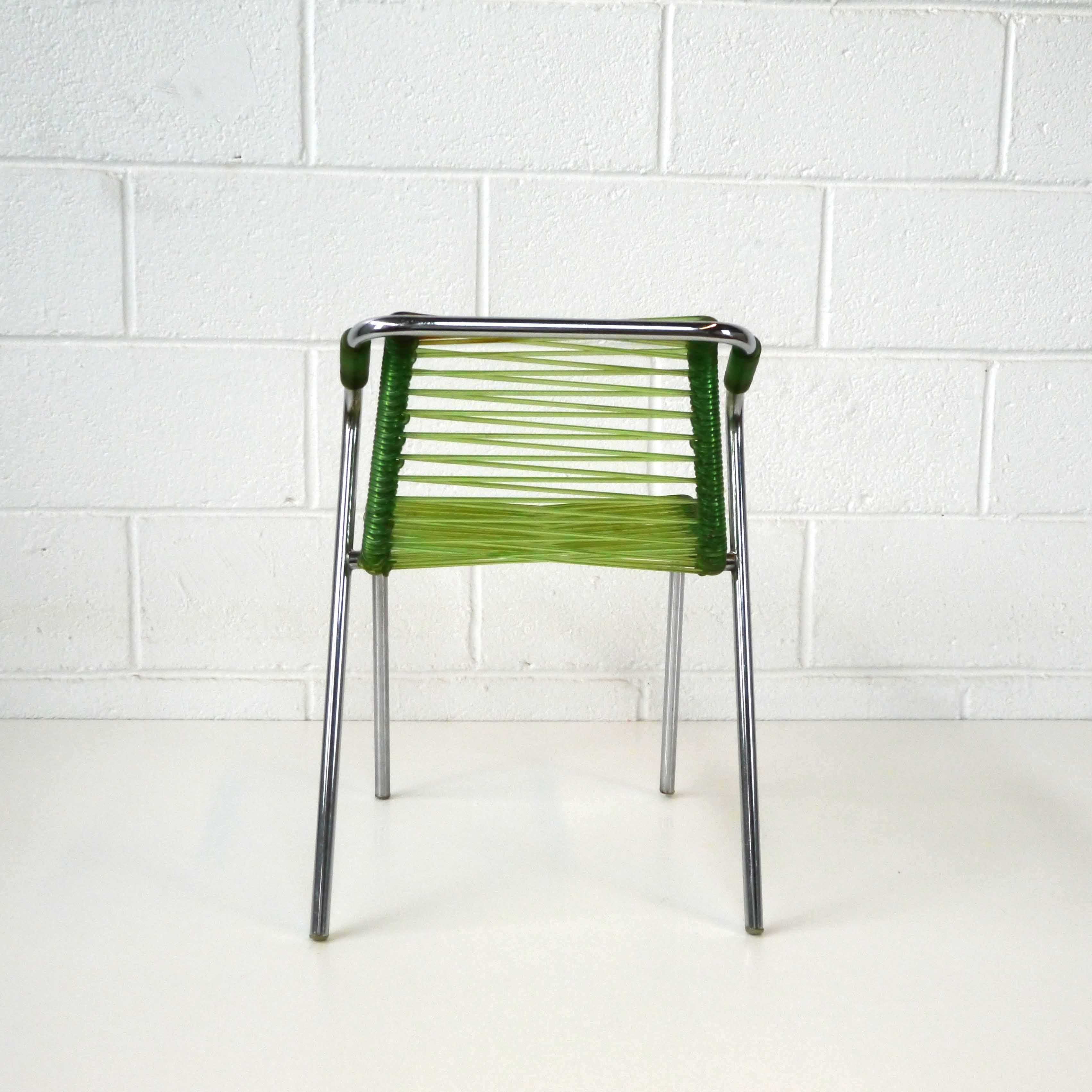 fauteuil scoubidou enfant 1957 la marelle mobilier et d co vintage. Black Bedroom Furniture Sets. Home Design Ideas